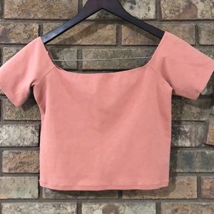 ⭐️Aritzia Wilfred coral crop top ❤️New listing⭐️